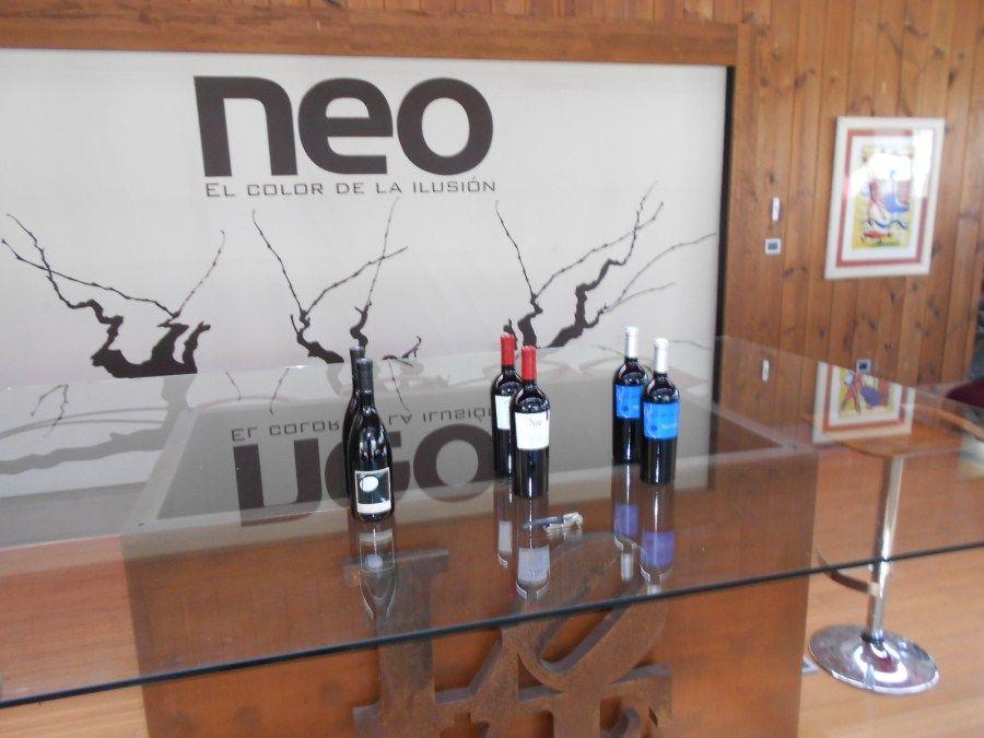 Bodegas Neo con el Winebus